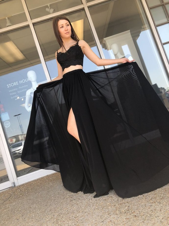Gorgeous Two Piece Straps Black Chiffon Long Party Dress