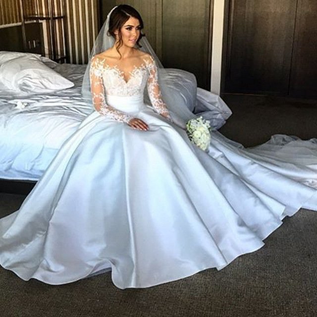Long Sleeve Appliques Wedding Dress, See Though Back White Bridal Gowns Vestido