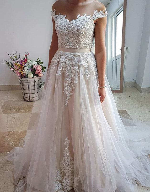 Charming Appliques Tulle A Line Wedding Dresses