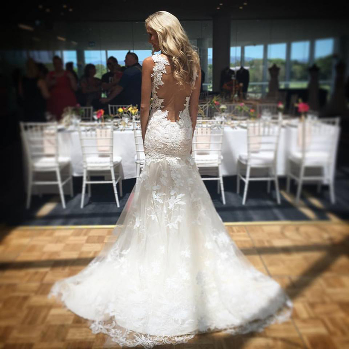Charming Appliques Tulle Open Back Mermaid Wedding Dresses