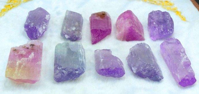 420 Gram 10 pcs of purple and pink color natural kunzite crystals Afghanistan