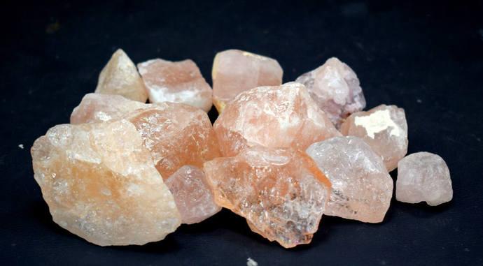 340 Gram Top Grade Natural Peach Pink Color Morganite Rough Crystals for Making