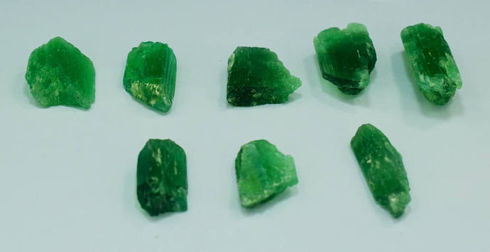 8 Pieces Lot of Green Color Kunzite Hiddenite Spodumene Rough Crystals For