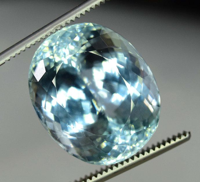 37.35 carats  Aqua Color Natural Spodumene Gemstone ~ 21*17*14 mm