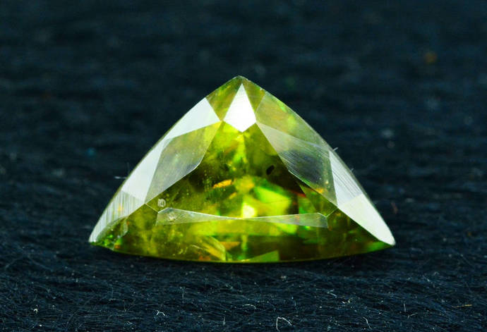 2.0 cts Rare Full Fire Multi Color Natural Sphene Titanite Gemstone from