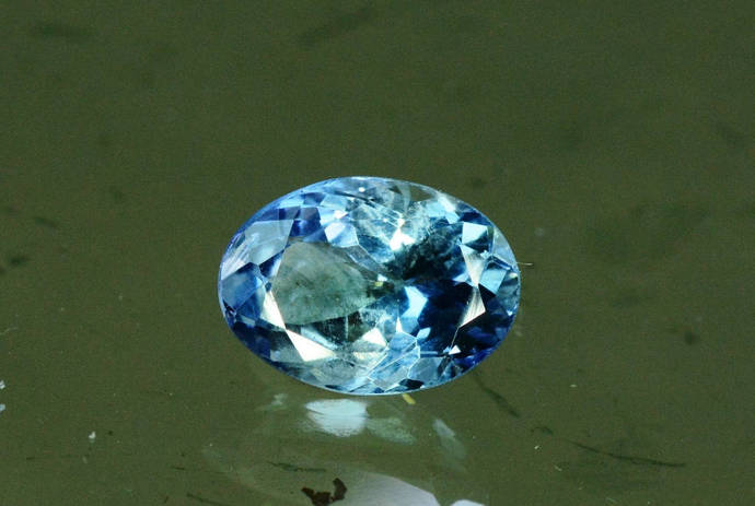 2.75 cts Lovely Tanzanite Loose Gemstone ~ 7*6*3 mm