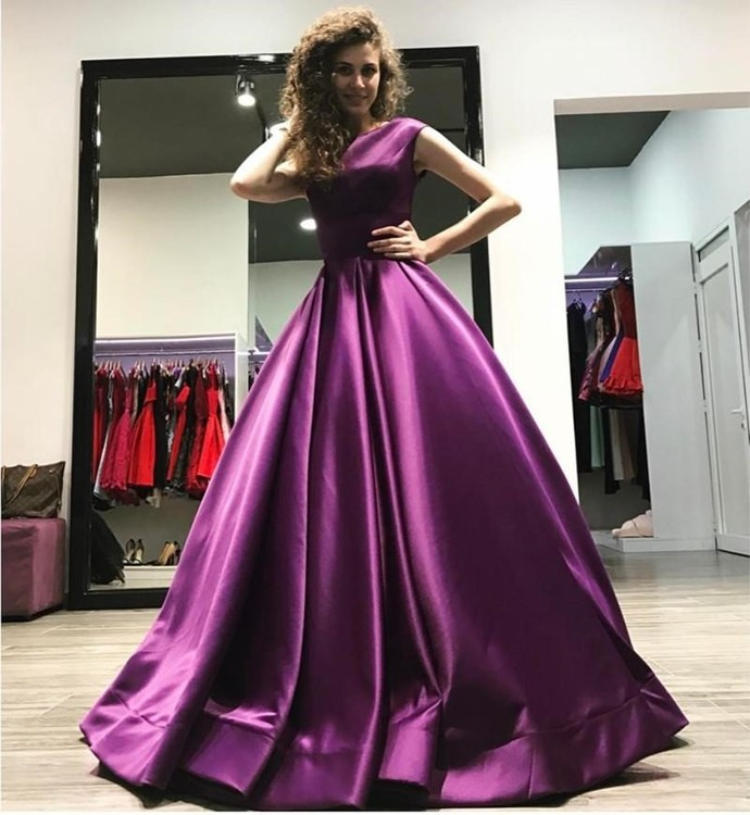 New Arrival Sexy Sleevless U Back Ball Gown Prom Dress High Quality Floor Length