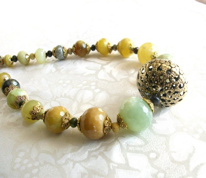 Chunky Agate necklace in mustard yellow, khaki and green with antiqued brass