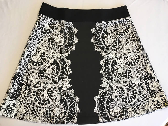 Black & White Lace Creamy Medium Weight Knit Fabric Comfortable A-Line Skirt
