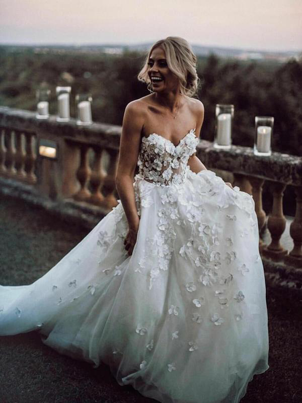 A Line Sweetheart Neck Boho Wedding Dresses Appliqued Wedding Gowns, Tulle Long