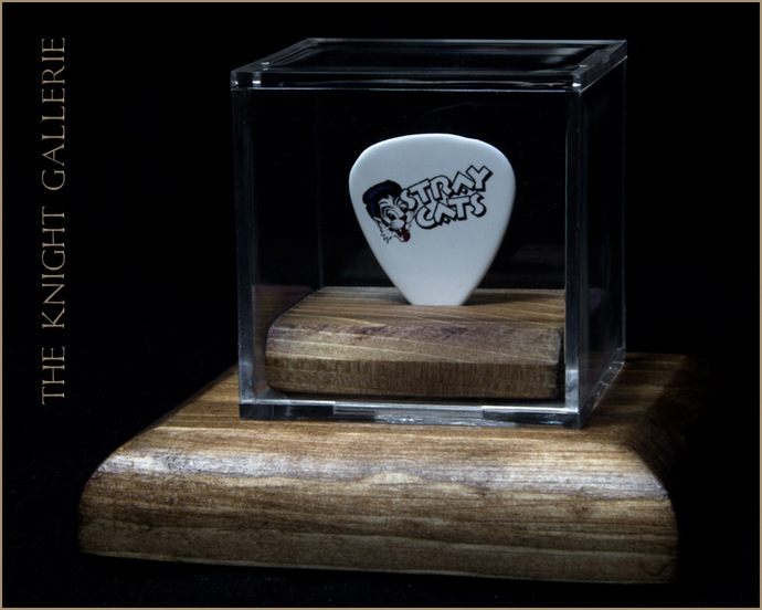 Commemorative  guitar pick and display case: Stray Cats / Brian Setzer