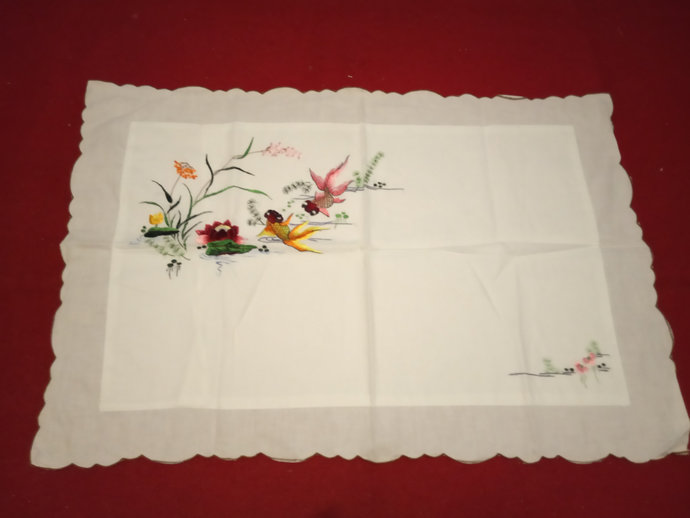 Pillow Cases, Vintage Cotton Hand Embroidered Pillow cases. Lace Pillow cases