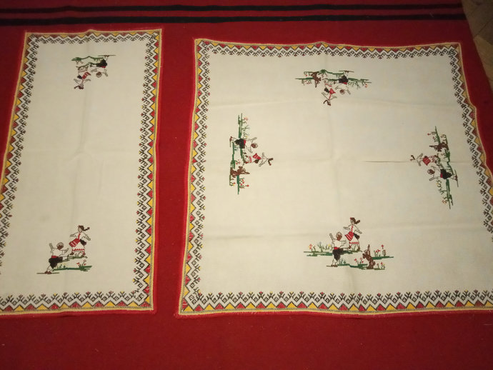 Table Runner And Table Cover, Vintage And Handmade table Cover, Embroidered