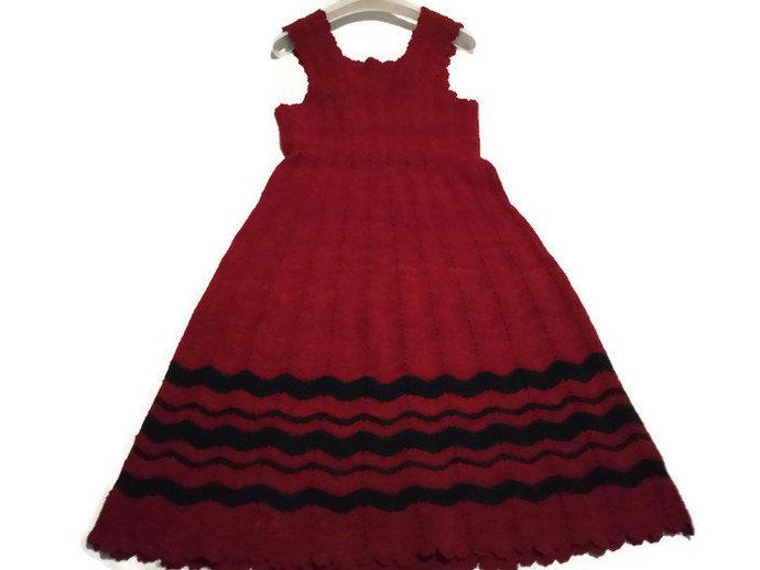 Knit Women Red Dress 1950's Women dress. Simple Red Knitted Women Dress