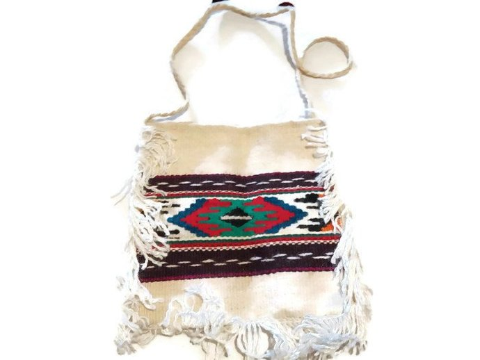 Shoulder Bag. Hand woven. Medium size bag. Ivory bag. Pure wool