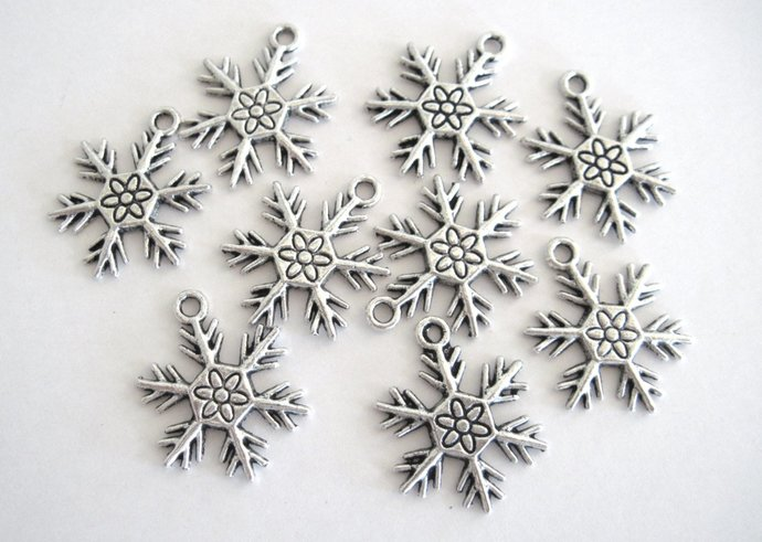 CLEARANCE SALE Snowflake Charms Antique Silver Color Snowflake For Home Decor