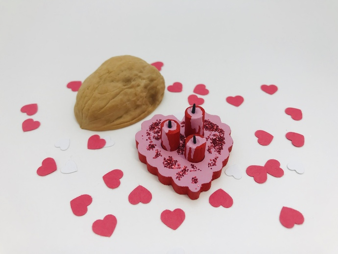 1:12 miniature candle set Valentine Candles hearts Love red and pink