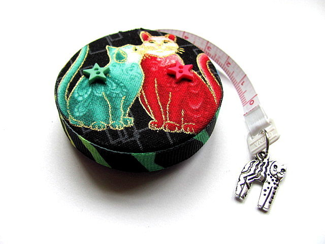 Tape Measure Kissing Cats Retractable Measuring Tape