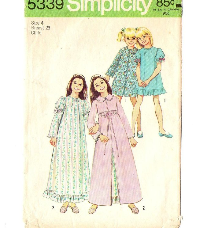 Simplicity 5339 Girls Robe, Nightgown 70s Vintage Sewing Pattern Size 4 Chest 23