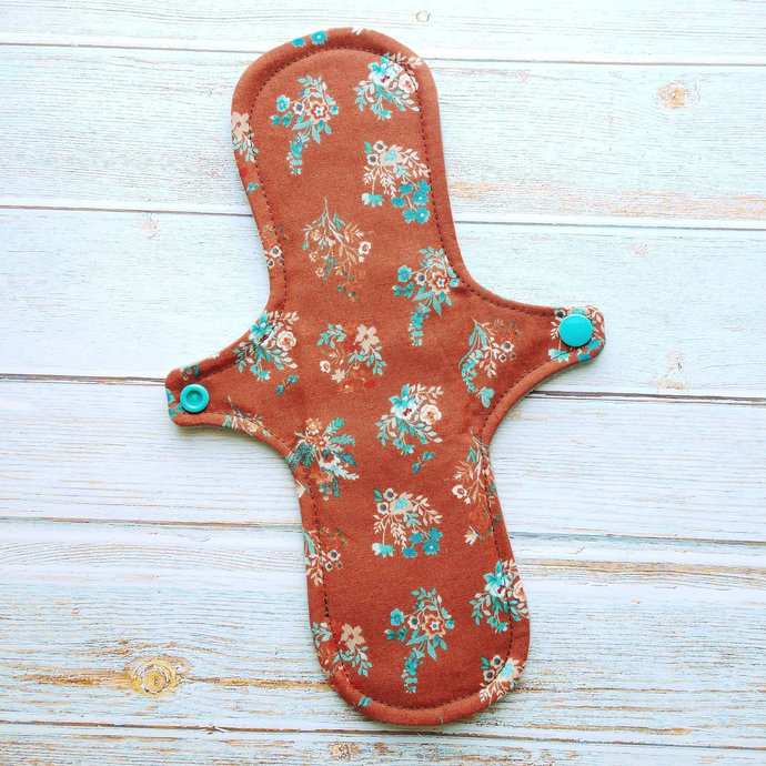 "10"" Moderate Reusable Cloth Pad (Birdsong Bouquet)"