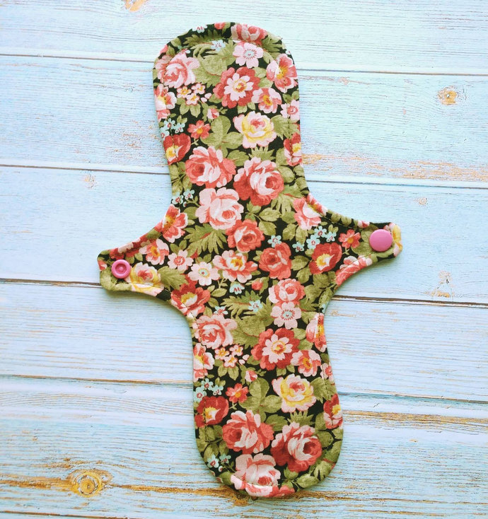 "10"" Moderate Reusable Cloth Pad (Legendary Love)"