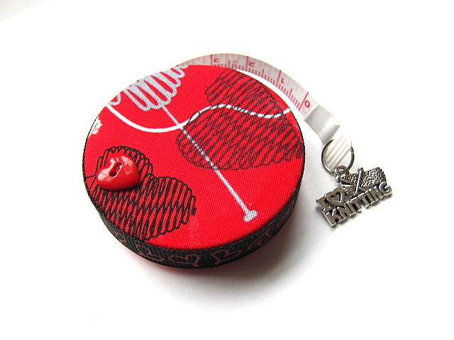 Copy of  Measuring Tape Knitted  Hearts Retractable Tape Measure