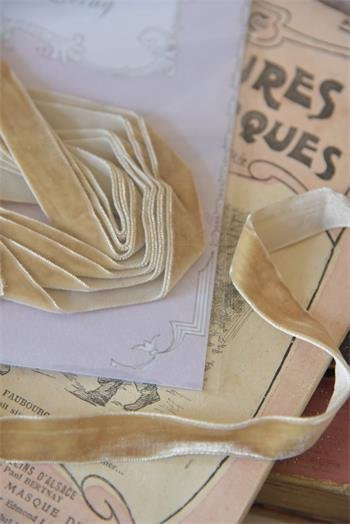 Vanilla Velvet Ribbon from Denmark