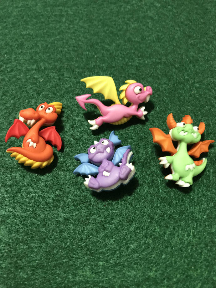 Dragon Tale Plastic Buttons / Sewing Supplies/DIY Craft supplies /Dress it Up