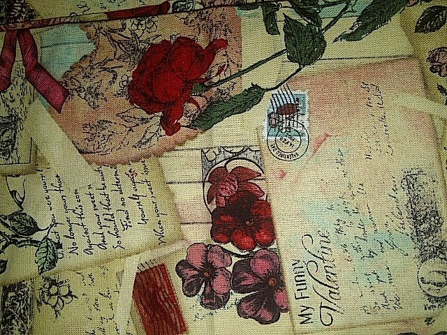 Robe Vintage Valentine Post Cards Cotton Fabric/Sewing Craft Supplies/Home