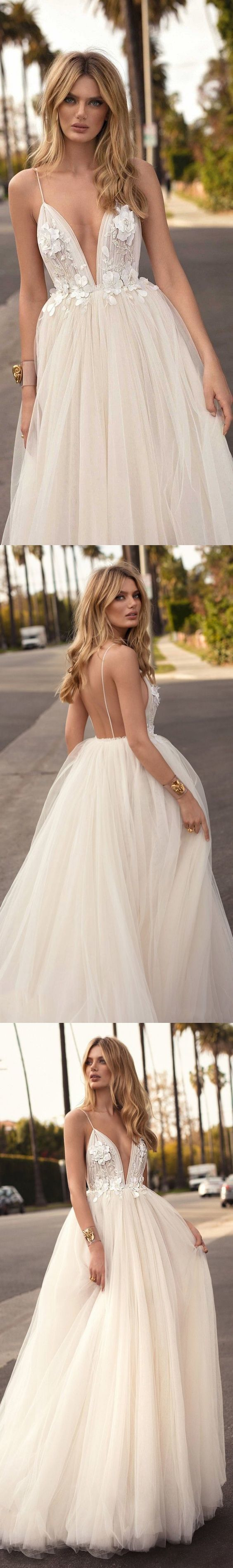 Backless Wedding Dresses A-line Spaghetti Straps Romantic Open Back Bridal Gown