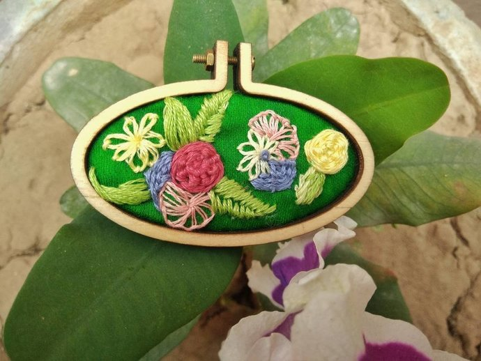 Floral embroidery mini hoop, bright flower art, hand embroidery floral designs,
