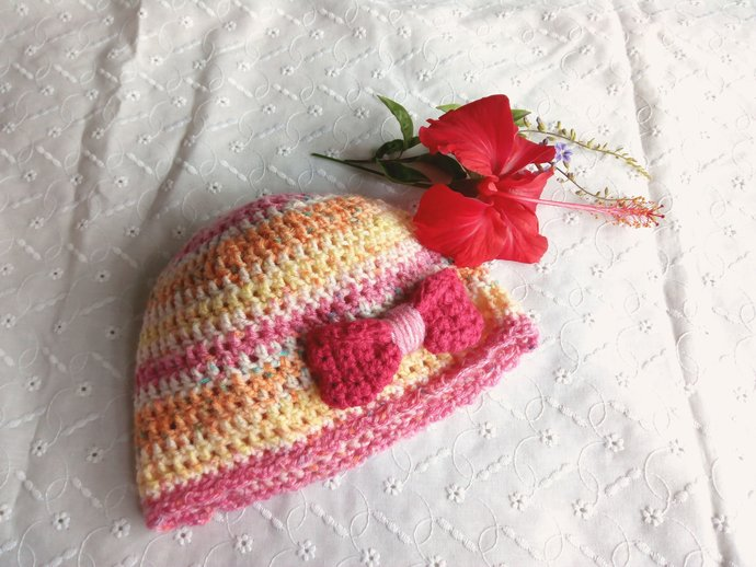 Newborn girl hospital hat, infant girl beanie, pastel colored hat pink bow, size