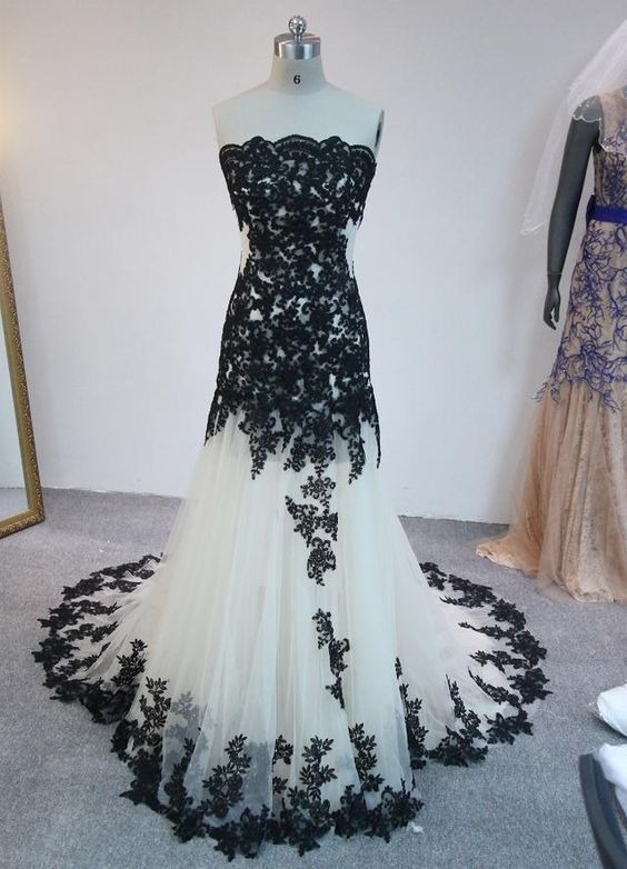 Long Prom Dresses Sleeveless Backless Floor Length Black Applqiued Tulle Prom