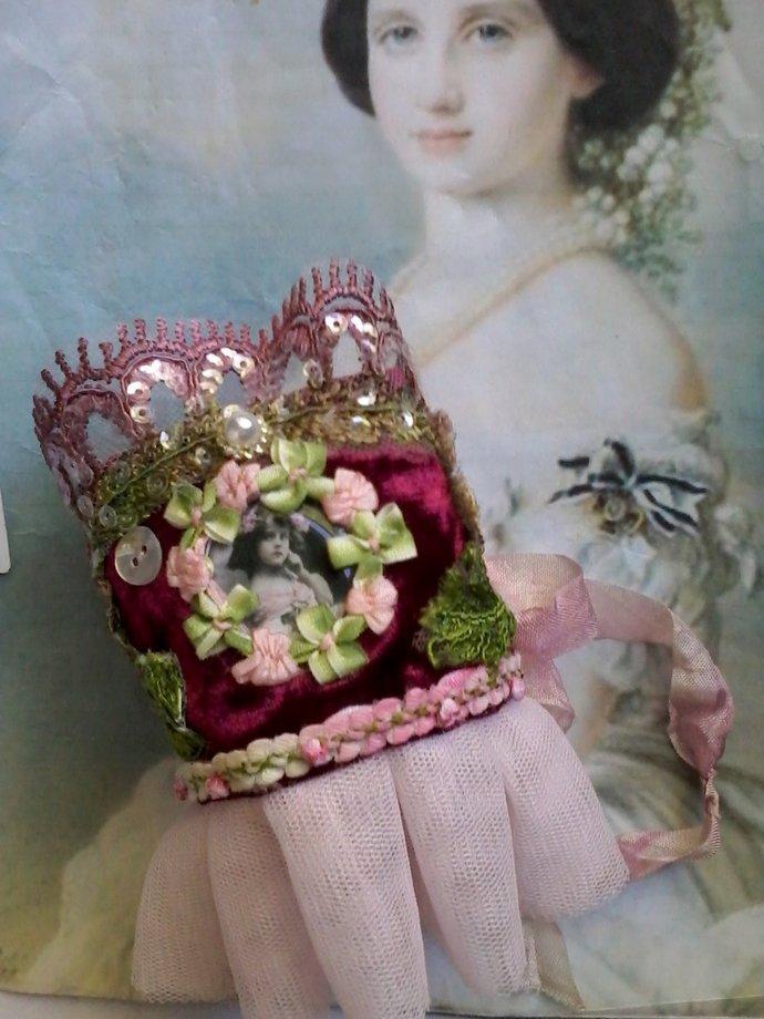 victorian velvet fabric cuff, brocante cuff, romantic, wearable art, gypsy cuff,