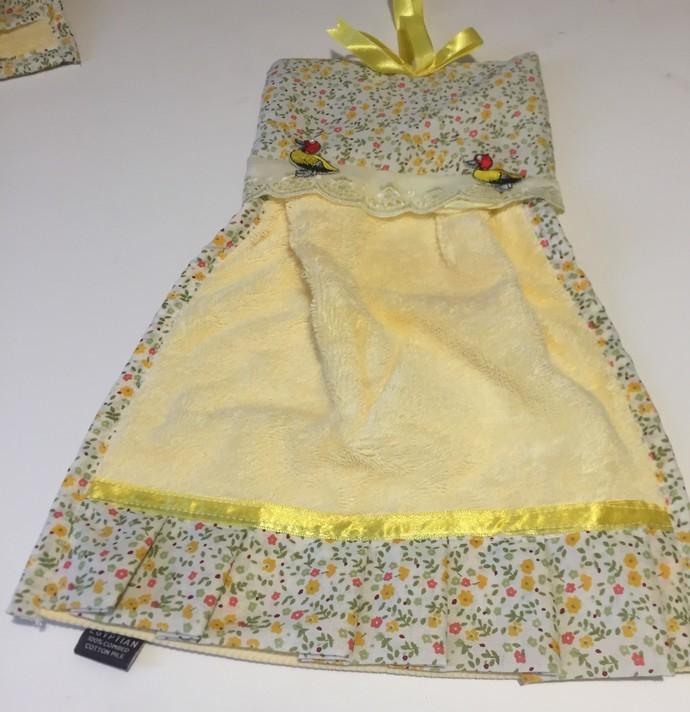 Lemon Decorated Hand Towels