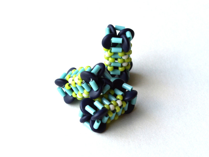 X-Squared Beaded Bead - Pattern by DatzKatz Designs
