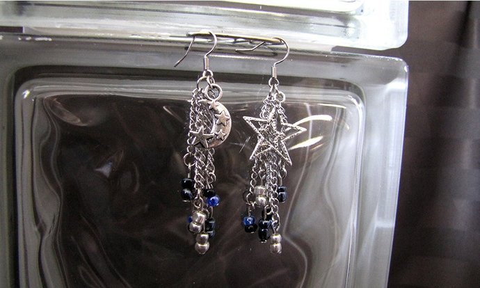 Embrace The Night Celestial Earring Set - Item Number 5377