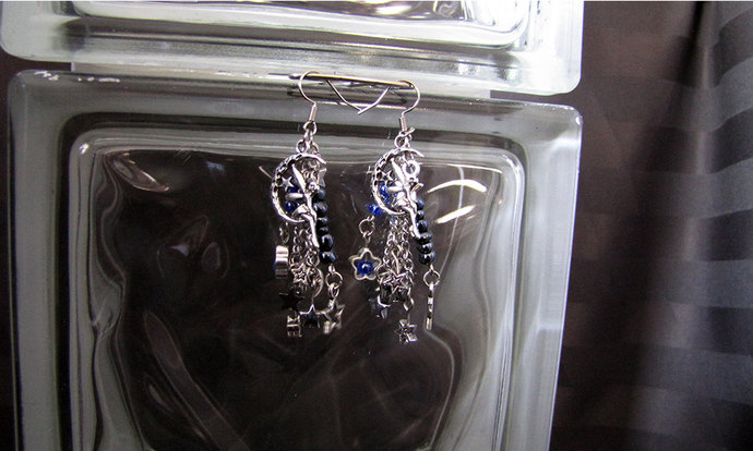 Silver Moon Fairy Earring Set - Item Number 5371