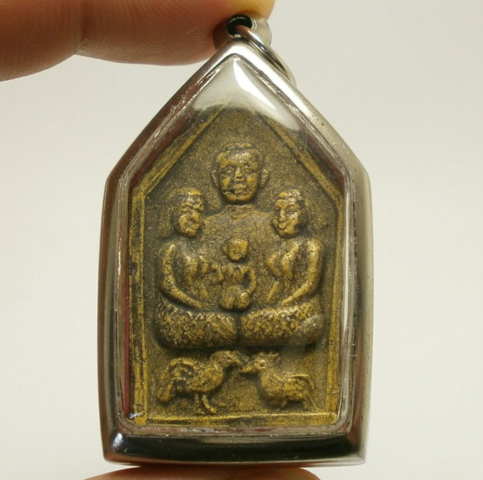 Khun Paen Hold Guman Boy with 2 ladies and 2 Fighting Cock with Magic Yantra