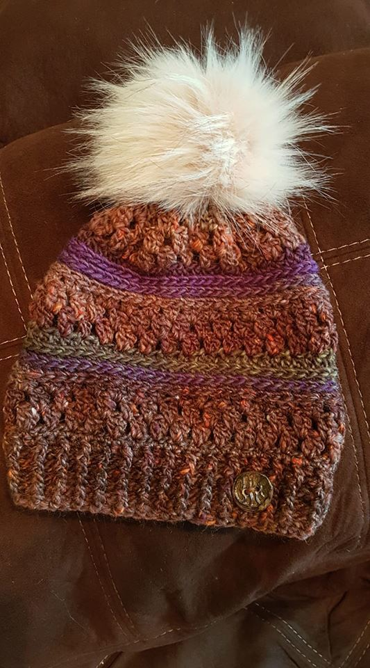 Cozy wool blend Tempest Beanie Slouchy with big pompom and ceramic button