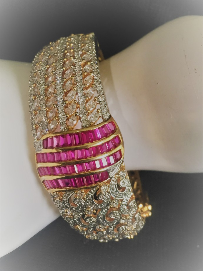Pink Cubic Zirconia  Bracelet, With Latch