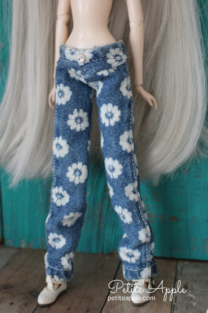 RESERVED LISTING - Pullip low rise jeans - flower printed denim pants trousers