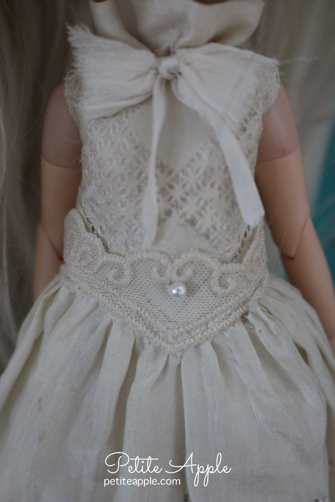 Blythe doll OOAK dress- *Dream princess*  embroidered pure silk