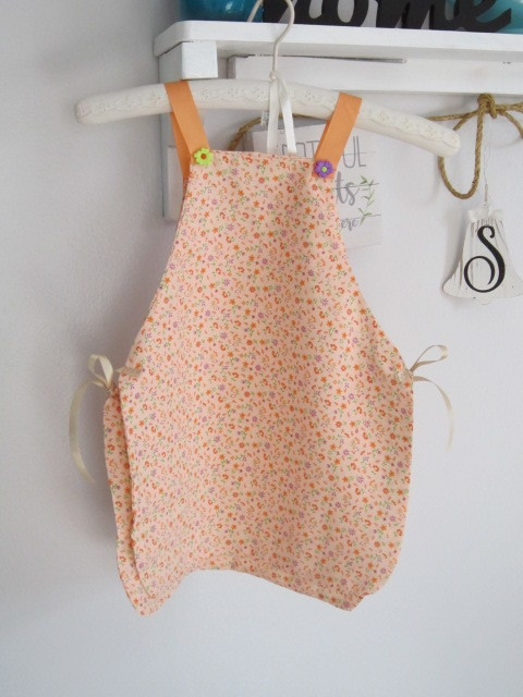 Child's Penefore apron-orange print for ages4-5 years old, art apron, cooking