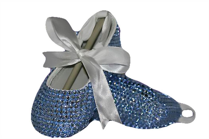 Bling crib shoes covered with crystals from Swarovski®