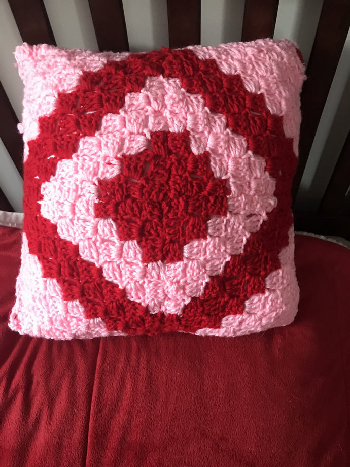 Crochet Pillow Pink and Red 14 inch Corner to Corner Pillow, Decorative Pillow,