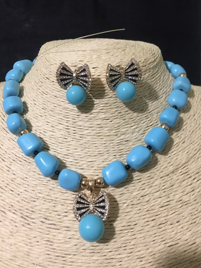 Turquoise Bow Necklace and Earring Set