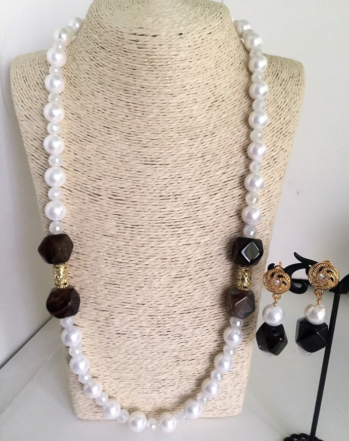 Brown Hexagonal Agate, White Pearl, Opaque Crystal beads Opera style Necklace