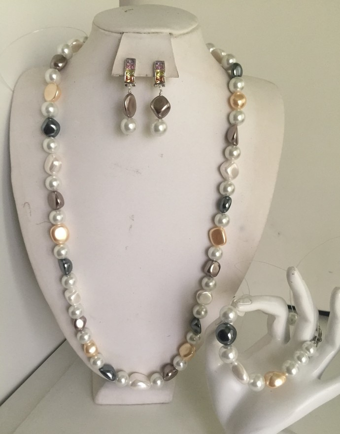Opera style Pearl  Necklace, Bracelet and Earring Set