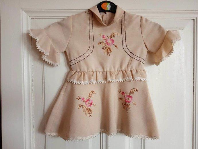 Baby Girl Vintage Dress, Small Flower pattern, Retro Baby Girl Dress, Cute baby
